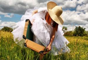 Как везти свадебное платье в самолете?