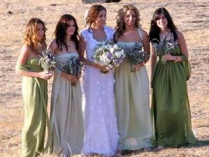 Что одеть на свадьбу гостям фото?